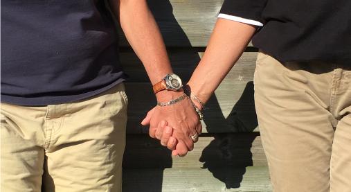 lesbisch verleidt gehuwde vrouw MDMA Gay Sex